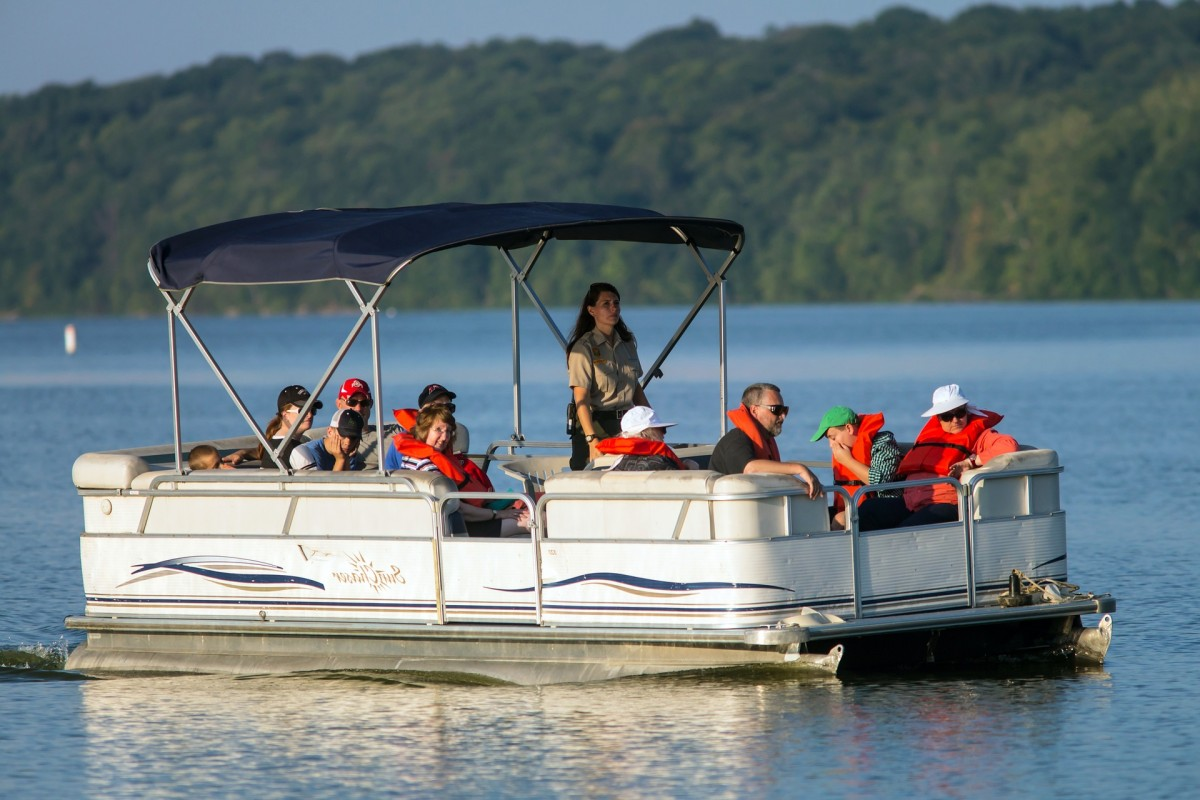 Pontoon boats gerry 39 s marina for Minnesota fishing charters